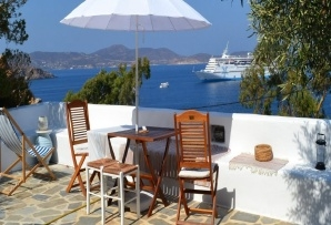 Patmos island apartment - Blue & White